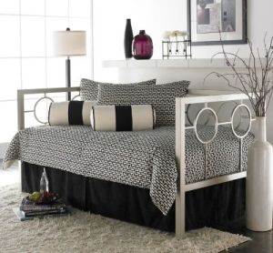 fashion-bed-group-astoria-daybed