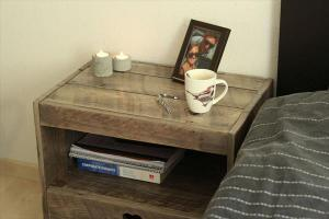 pallet-nightstand-plans