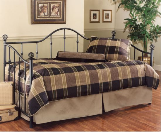 hillsdale-chalet-daybed-1
